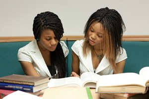 two_girls_studying